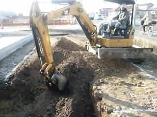 機械掘削開始